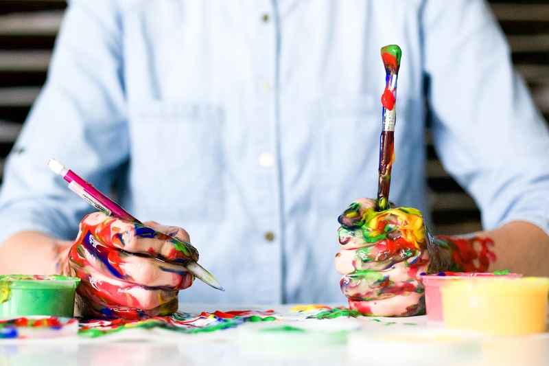 Art materials to revive the lost art of B2B case studies